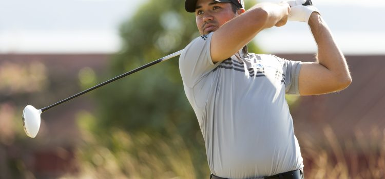 Jason Day battles vertigo, leads US Open
