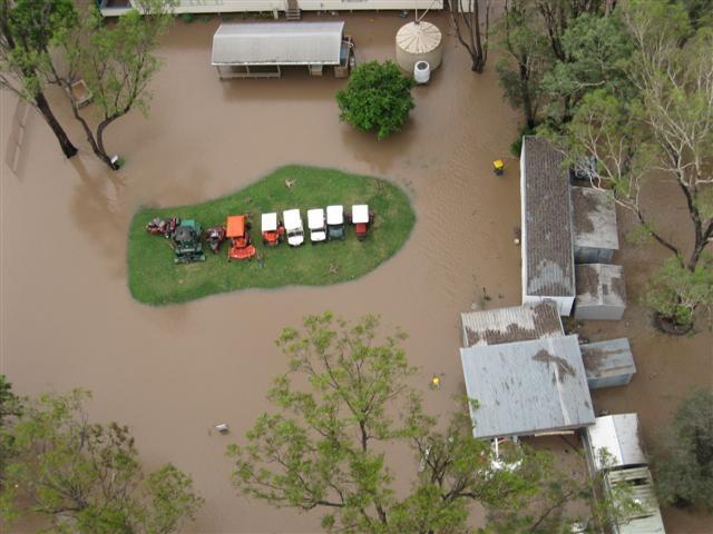 Floods Moura G C in flood