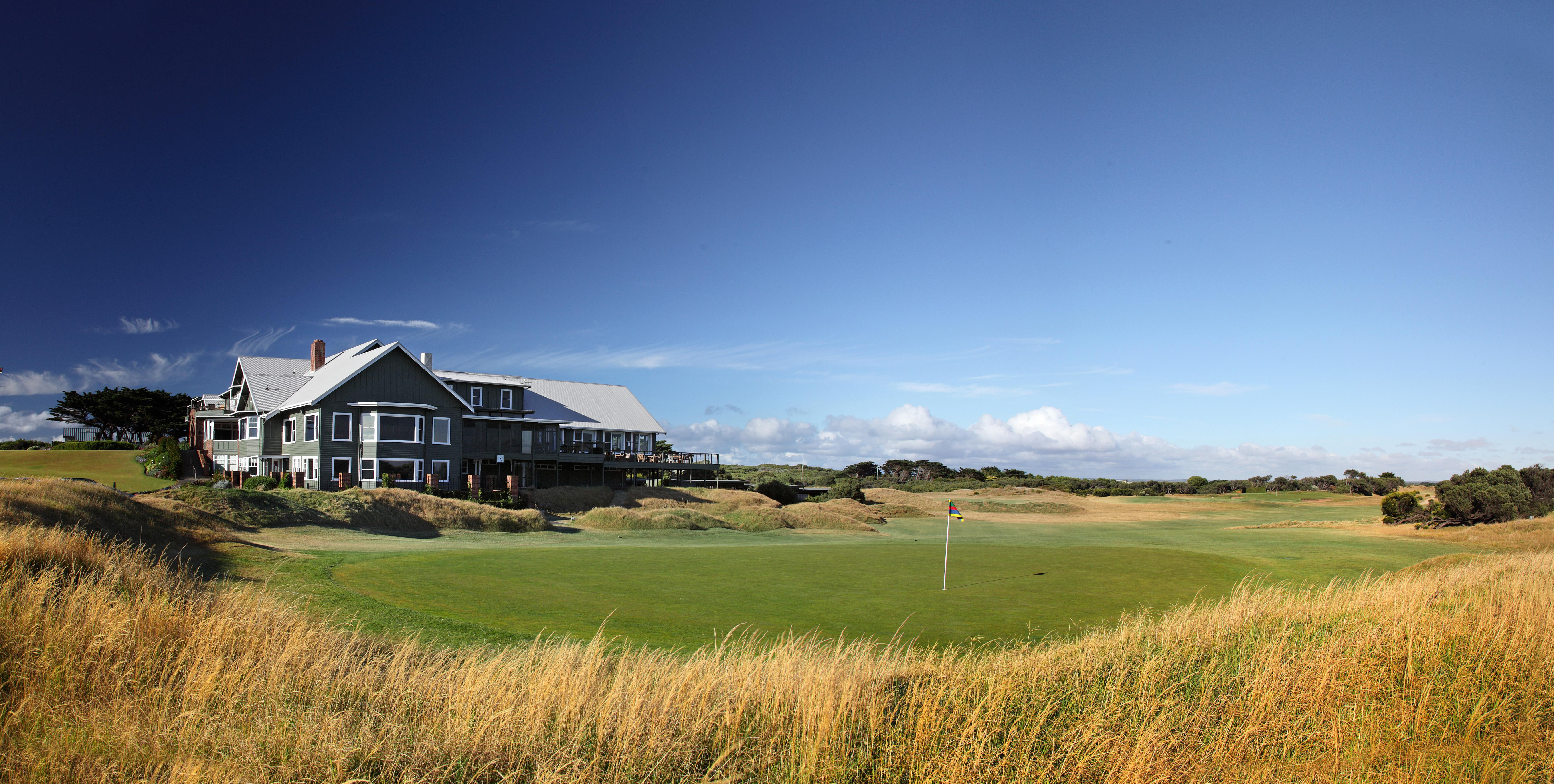 BarwonHeadsClubhouse & 18th green1