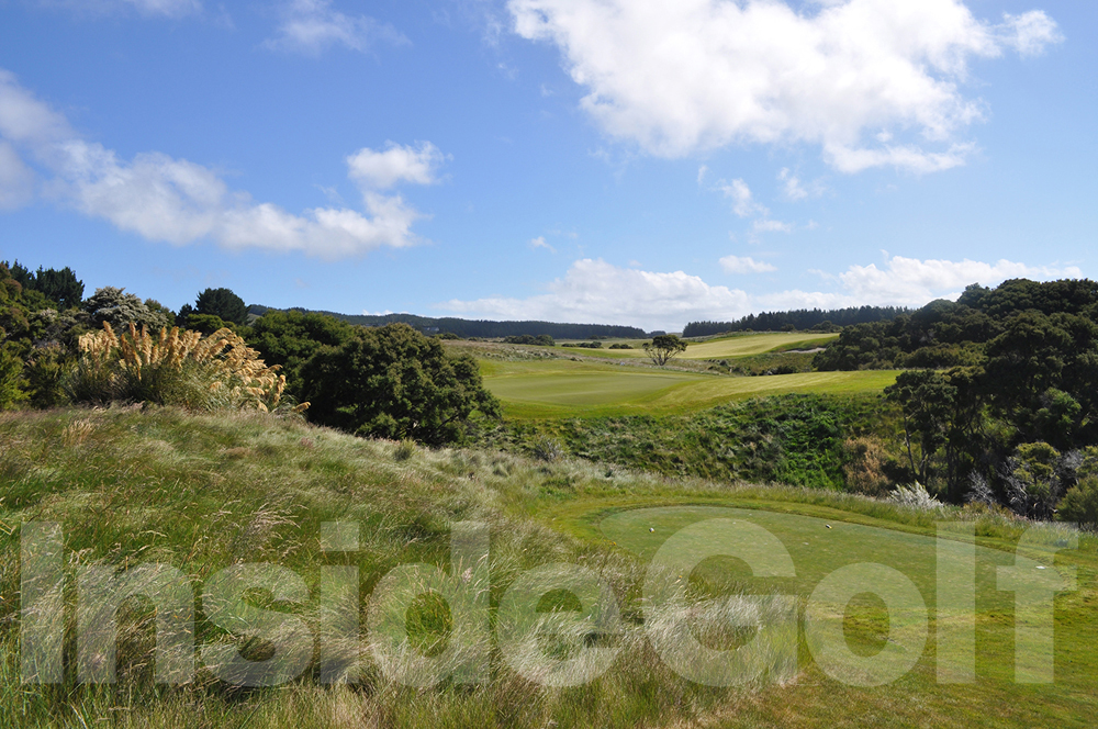 Cape Kidnappers 8th  tee (whites)