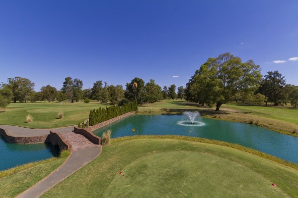 Howlong Australia  city photos gallery : ... Australia's Most Read Golf Magazine as named by Australian Golfers