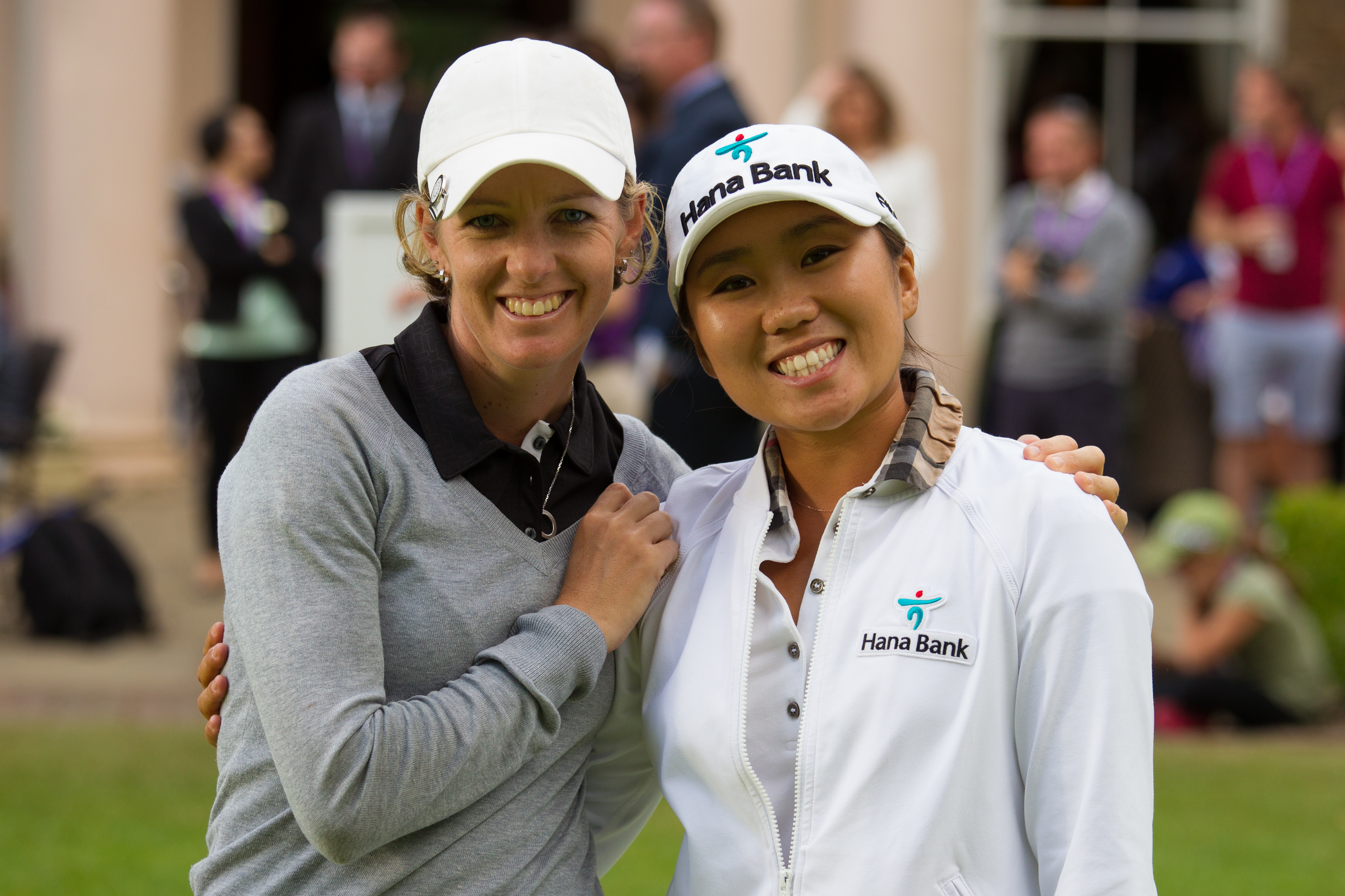 Runner Up, Nikki Campbell and the winner In Kyung Kim pose for a photograph during the pize presentation