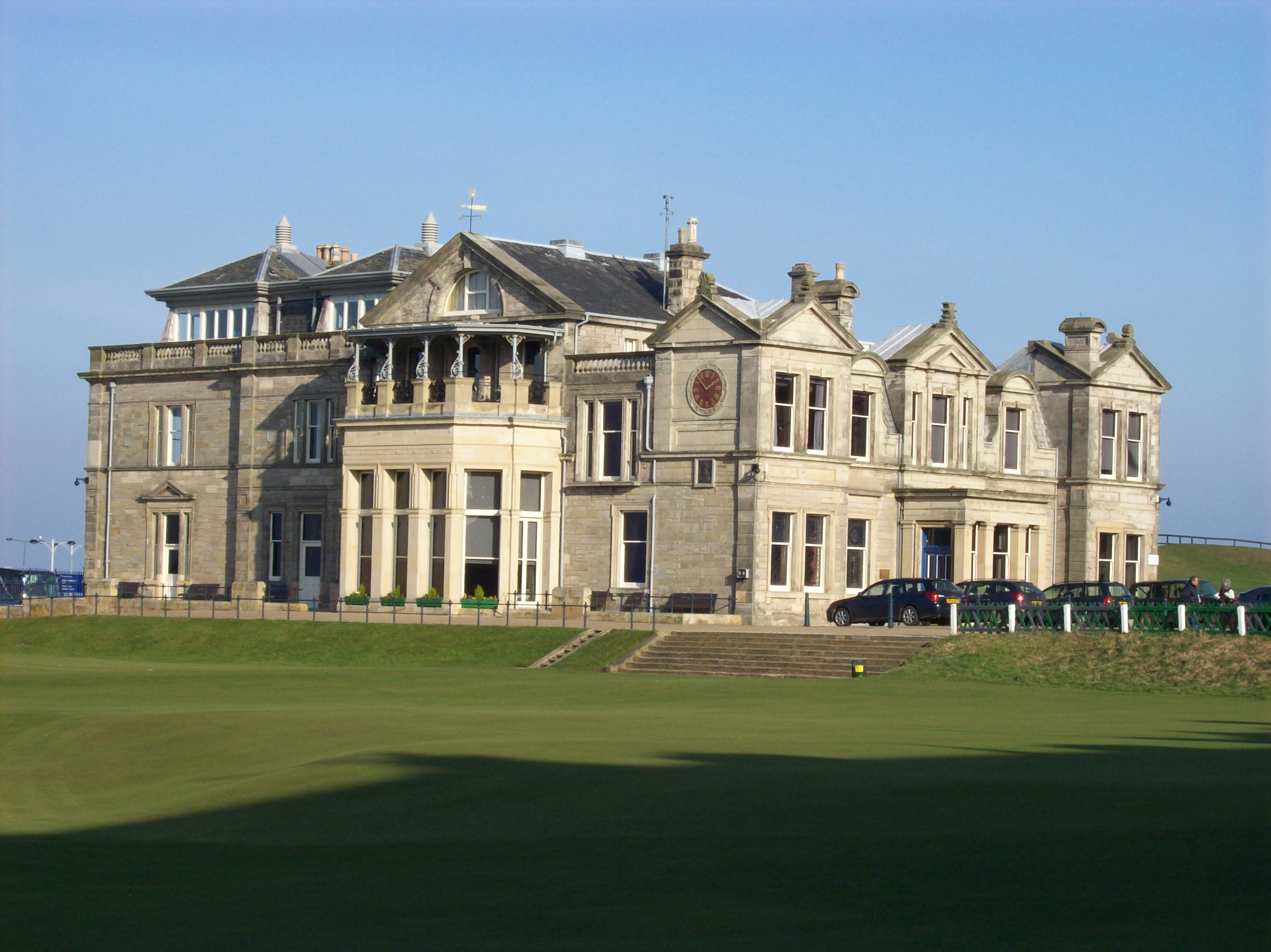 Old_Course_Clubhouse_St_Andrews
