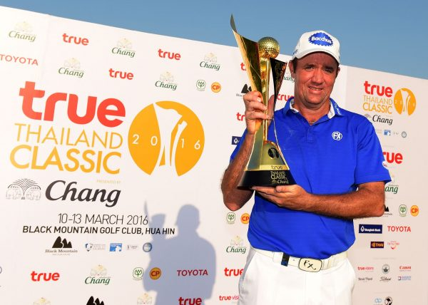 HUA HIN - THAILAND – Scott Hend of Australia pictured with the winner's trophy on Sunday March 13, 2016 during the final round of the True Thailand Classic presented by Chang at Black Mountain Golf Club, Hua Hin, Thailand. A USD$ 1.75 million event co-sanctioned with the European and Asian Tour. Picture by Paul Lakatos/Asian Tour.