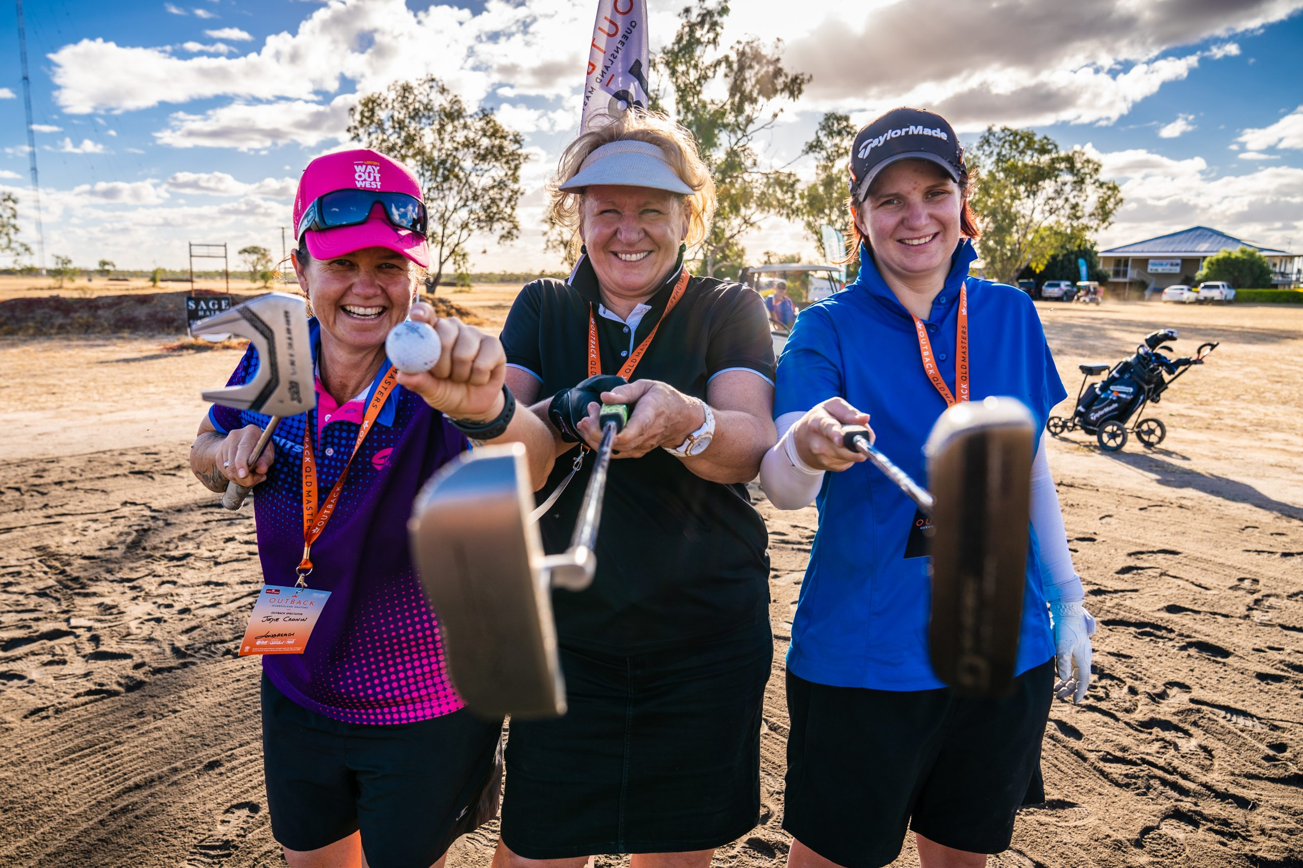 Golfing-fun-for-amatuers-and-first-time-hackers-at-the-Outback-Qld-Masters