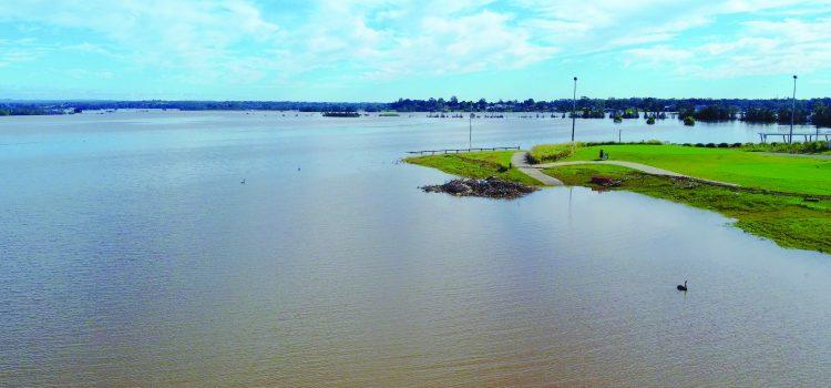 Sydney clubs battle floods
