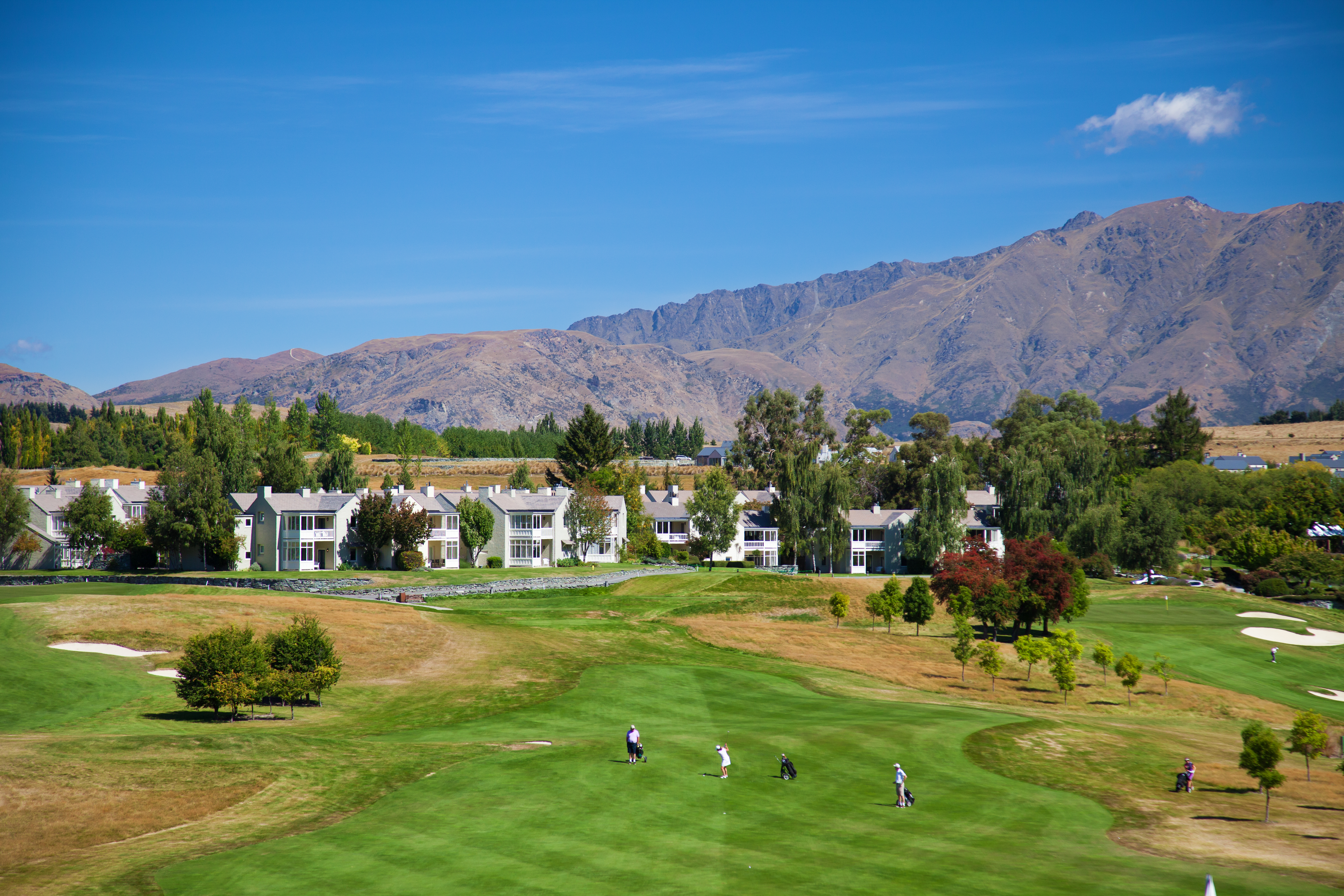 Millbrook Resort – Remarkables Nine Teeing off